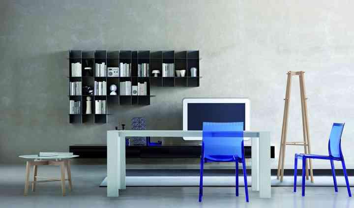 Tavoli in legno e materiali