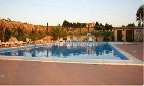 L'esterno piscina