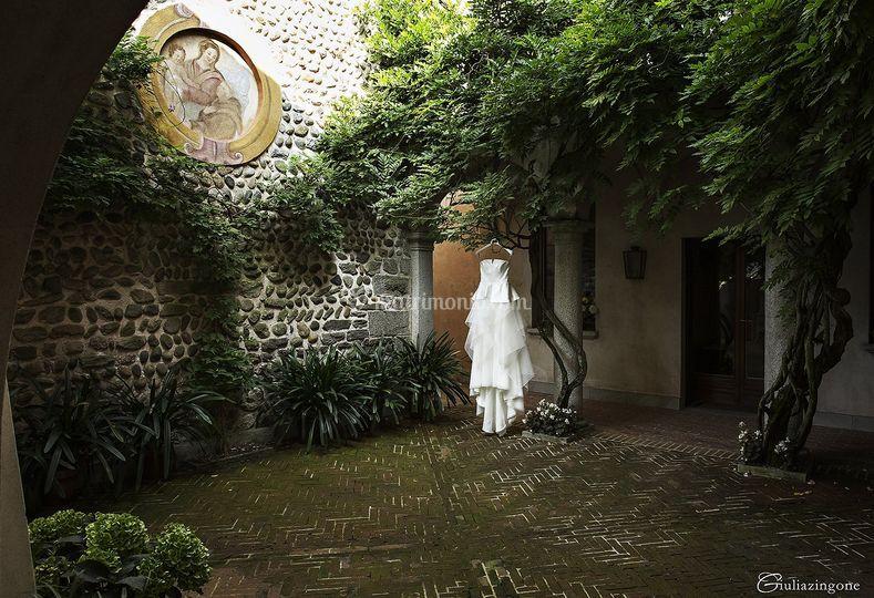L'abito - Elisabetta Polignano