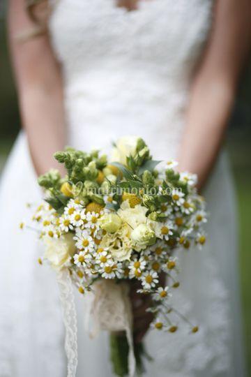 Il bouquet con camomilla