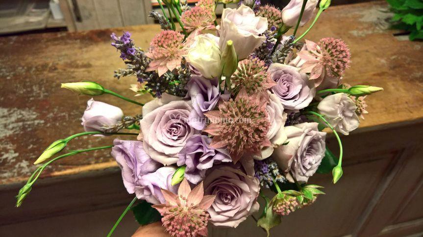 Bouquet con astrantia
