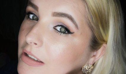 Ola Beauty Artist