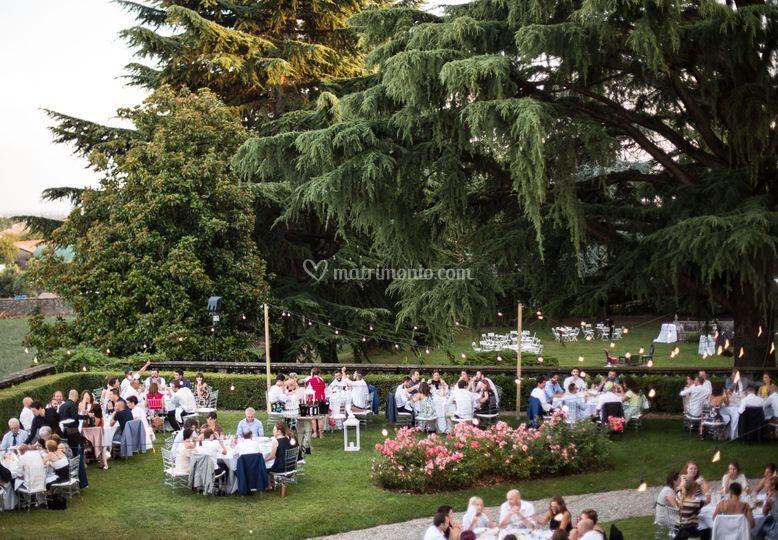 Cenare nel giardino