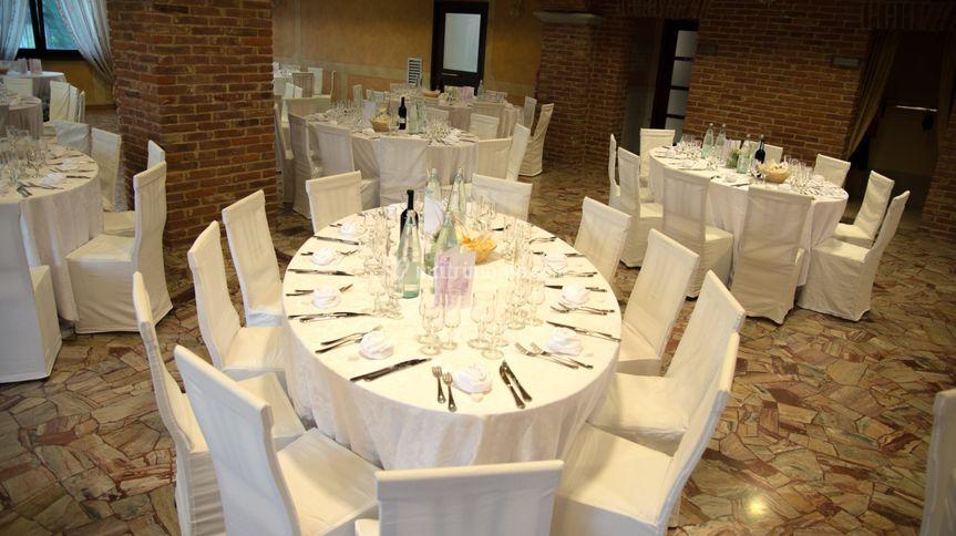 Trattoria del ristoro for Tavoli ovali bianchi