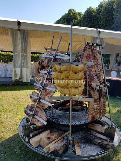 Grigliata di carne a legna