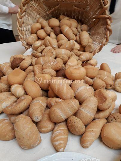 """Cascata di pane dal """"Derlo"""""""