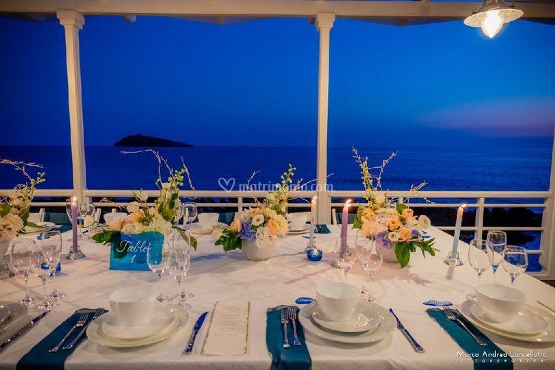 Shooting beach wedding