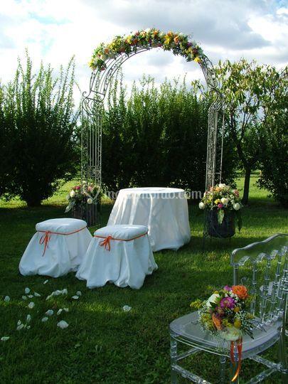 Matrimonio nel roseto