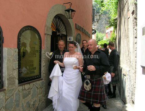 Gli sposi in villaggio