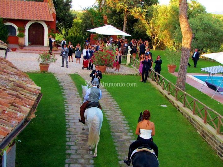 Entrata degli sposi a cavallo