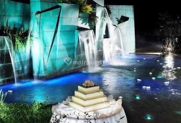 Wedding cake in piscina di ristorante romano da carlo foto 2 - Piscina san carlo milano ...
