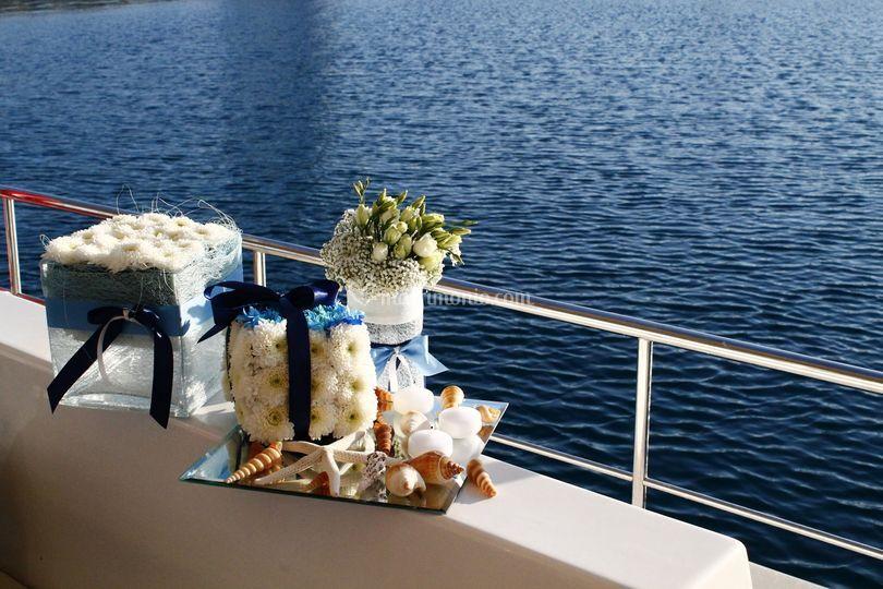 Matrimonio In Barca : Matrimonio in barca di fiori nel salento foto