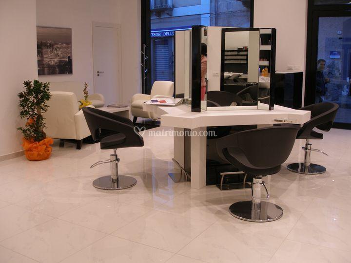 Il tavolo centrale con 4 postazioni