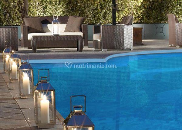 piscina con lanterne di parco dei principi grand hotel