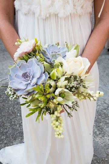 Bouquet con piante grasse e ba