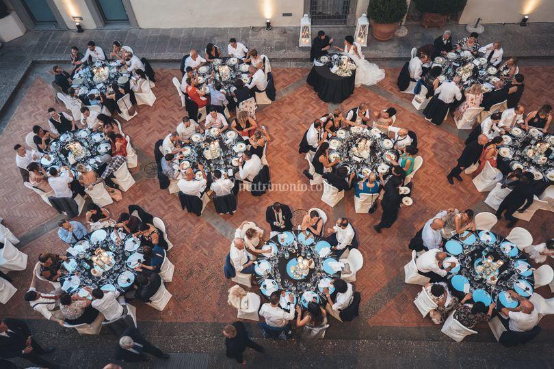 Cena nella corte