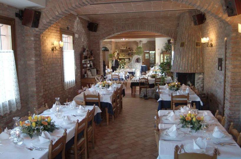 Matrimonio In Ristorante : Tavoli per matrimonio di ristorante titi foto