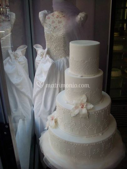 Wedding cake con pizzo