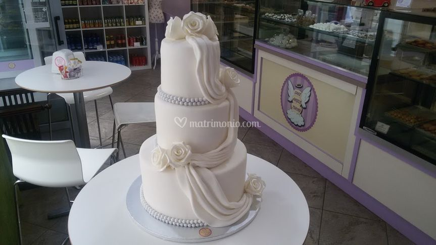 Wedding cake drappi