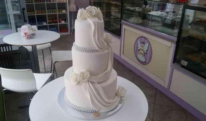 Wedding cake drappi