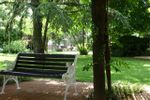 Panchine in giardino di Villa C� Bianca