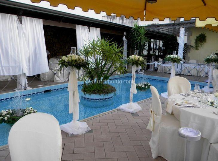 Banchetto in piscina