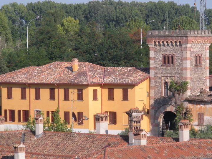 Entrata alla Villa e la Torre