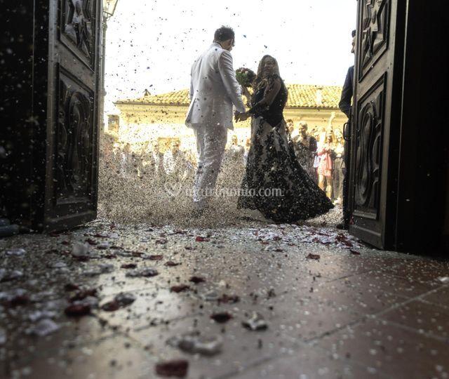 L' uscita degli sposi
