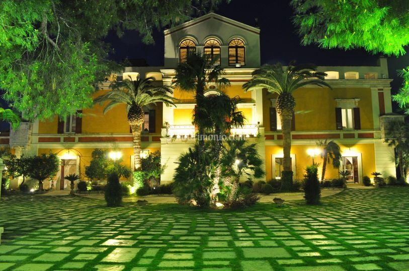 La corte di Villa Fenicia