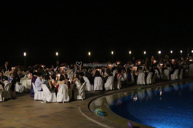 Hotel antares olimpo for Cena in piscina