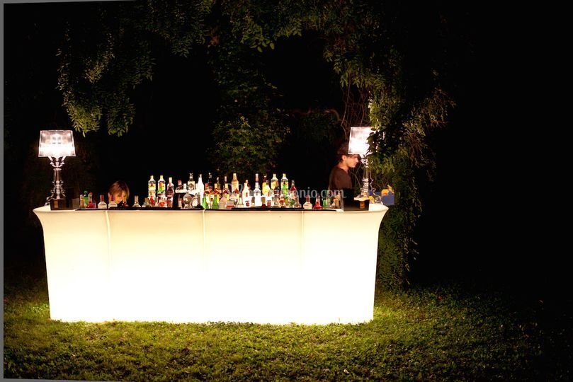 Open bar illuminato