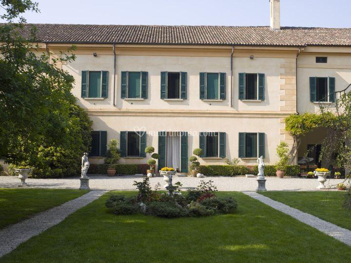 Facciata Villa Corti