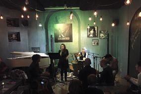 Kiantj acoustic trio