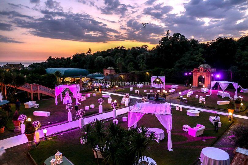 Villa signorini for Allestimento giardino