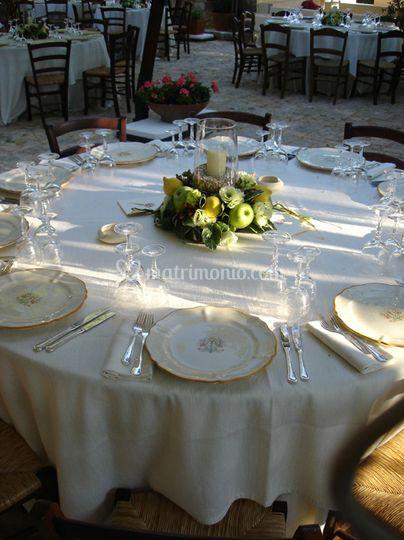 Masseria Cantone Ostuni: tavolo decorato
