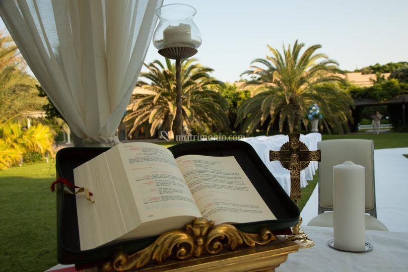 Matrimonio Romano Palace Catania : Cerimonia in giardino di romano palace foto