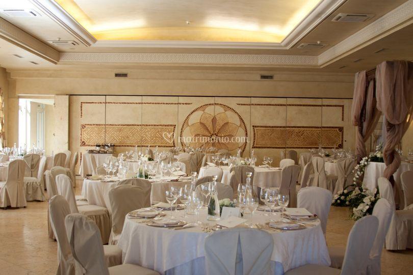 Matrimonio Romano Palace Catania : Sala ricevimenti di romano palace foto