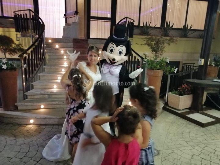 Topolino, Sposa e Bambini
