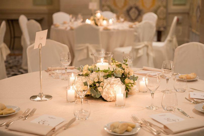 Centrotavola ortensie candele di kreativa eventi foto 216 - Centro tavola con candele ...