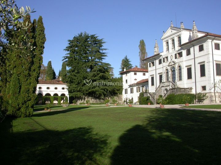 Ingresso Villa e loggia di Villa Gallici Deciani