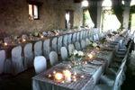 Allestimento tavoli imperiali nella barchessa di Villa Gallici Deciani