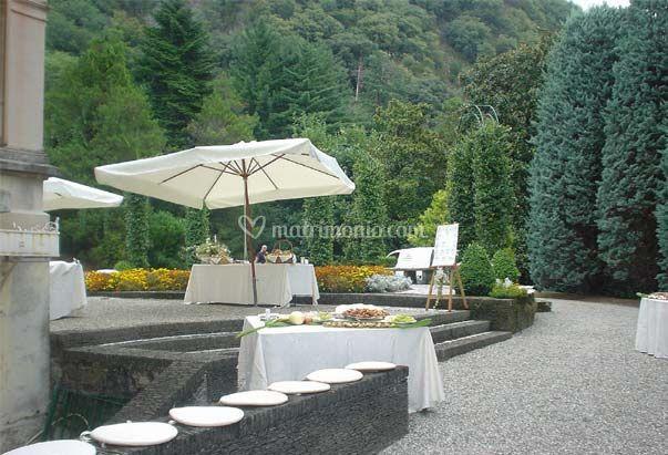 Banchetto all'aperto a villa frascoli