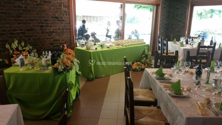 Tavolo bomboniere verde