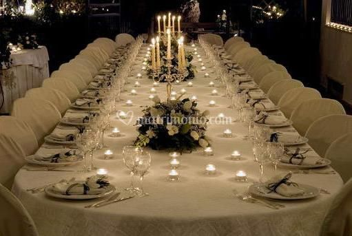 Tavolo Imperiale In Veranda Di Villa Marinella Foto