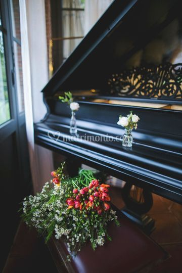 Flowered piano