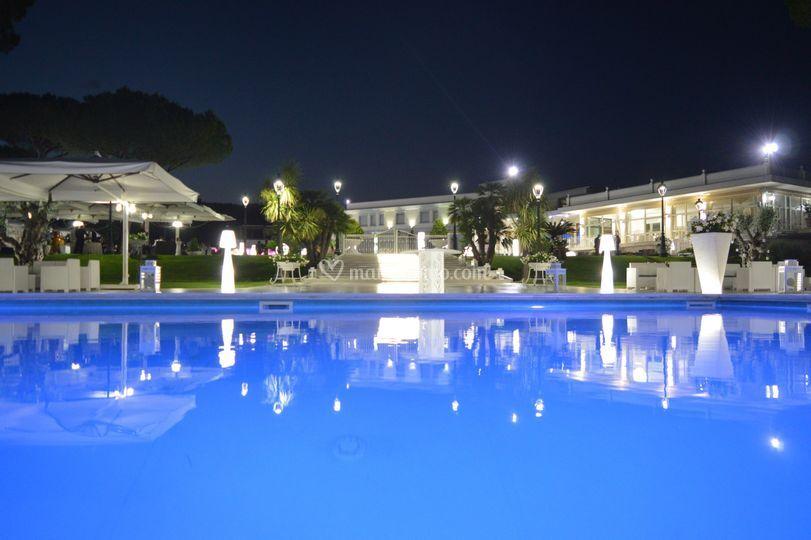 Panoramica piscina Royal Vesuv