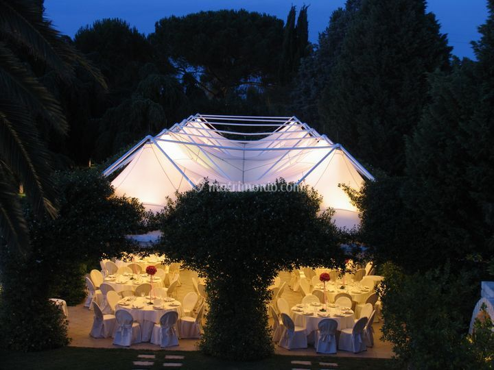Monastero Cena in giardino