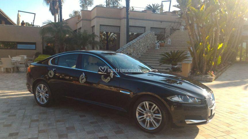 Jaguar xf nera interni beige