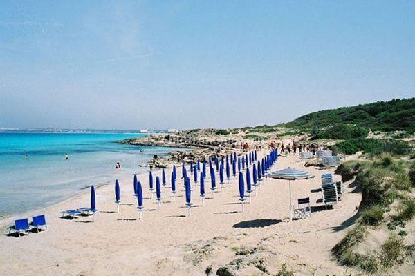 Matrimonio In Spiaggia Taranto : Spiaggia di relais histó san pietro sul mar piccolo foto