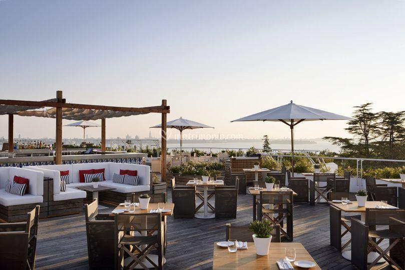 L Area Rooftop Di Isola Delle Rose Jw Marriott Venice